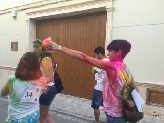 carrera herencia colours run con movil de 6 560x420 - La Marcha Herencia Colours mueve a más de 600 herencianos