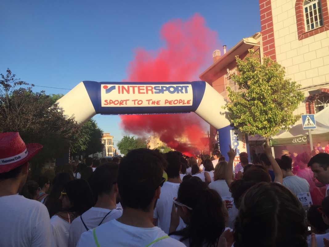 carrera herencia colours run con movil de 67 1068x801 - La Marcha Herencia Colours mueve a más de 600 herencianos