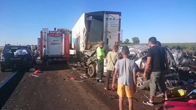 accidente en autovia a 4 en manzanares dia 18 agosto 2016 10 - Dos muertos y 39 heridos en un accidente múltiple en la A-4 a la altura de Manzanares