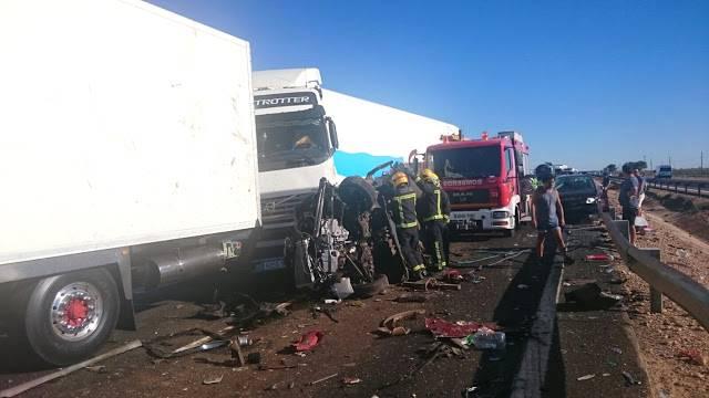 accidente en autovia a 4 en manzanares dia 18 agosto 2016 11 - Dos muertos y 39 heridos en un accidente múltiple en la A-4 a la altura de Manzanares