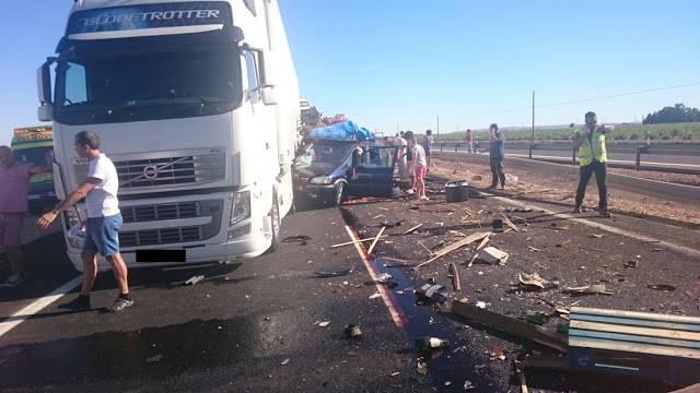 accidente en autovia a 4 en manzanares dia 18 agosto 2016 9 - Dos muertos y 39 heridos en un accidente múltiple en la A-4 a la altura de Manzanares