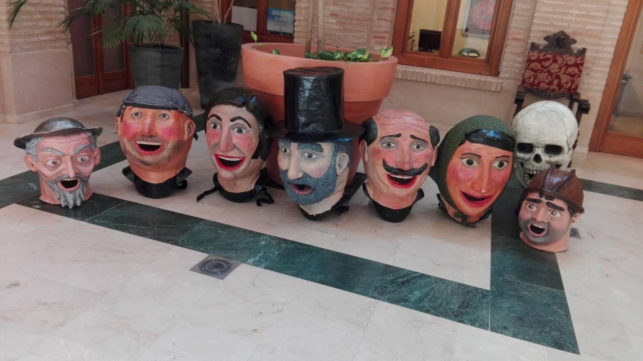 cabezudos de carnaval de herencia listo para carnaval de verano 2016 - Taller de máscaras y cabezudos