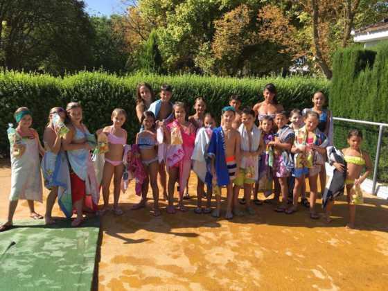 Finalizan los cursos de natación de agosto 2016 en Herencia 4