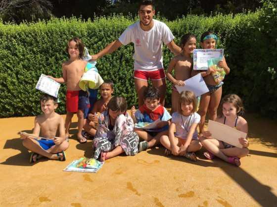 Finalizan los cursos de natación de agosto 2016 en Herencia 3