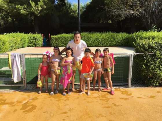 Finalizan los cursos de natación de agosto 2016 en Herencia 2