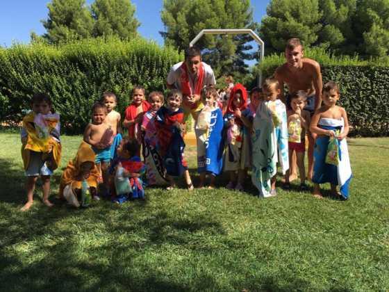 Finalizan los cursos de natación de agosto 2016 en Herencia 1