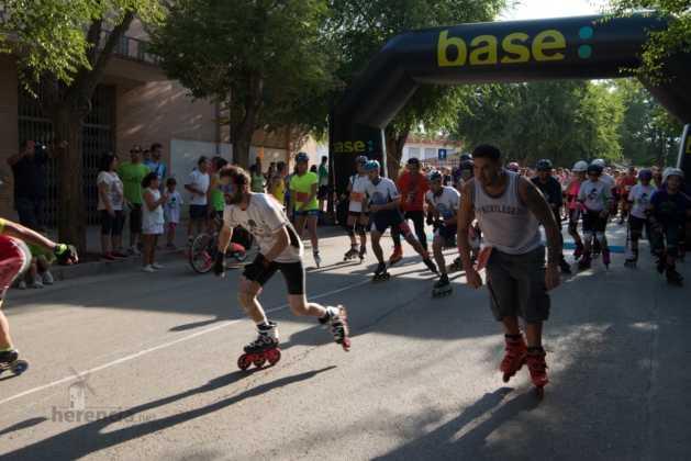 Fotografías de previos, salida patines y carrera en Carrera Popular Herencia 45