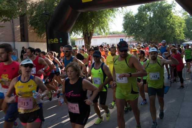 Fotografías de previos, salida patines y carrera en Carrera Popular Herencia 77