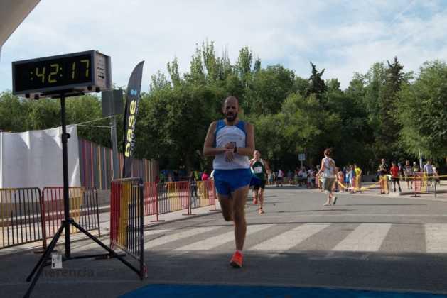 """40 carrera popular herencia ciudad real entradas a meta 109 629x420 - Fotografías de llegadas a meta en 40 Carrera Popular """"Villa de Herencia"""""""