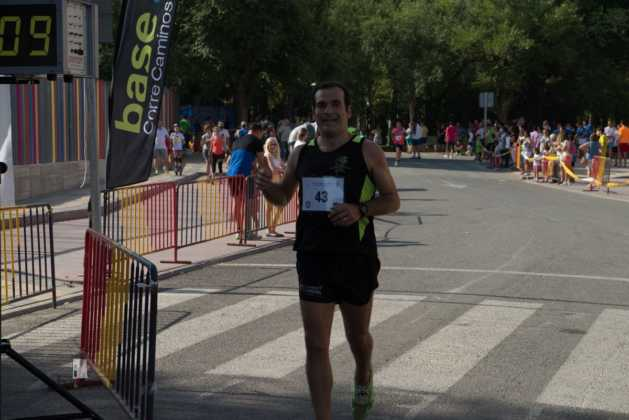 """40 carrera popular herencia ciudad real entradas a meta 123 629x420 - Fotografías de llegadas a meta en 40 Carrera Popular """"Villa de Herencia"""""""