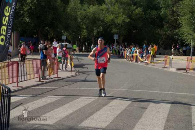 """40 carrera popular herencia ciudad real entradas a meta 124 629x420 - Fotografías de llegadas a meta en 40 Carrera Popular """"Villa de Herencia"""""""