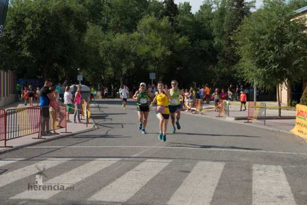 """40 carrera popular herencia ciudad real entradas a meta 131 629x420 - Fotografías de llegadas a meta en 40 Carrera Popular """"Villa de Herencia"""""""
