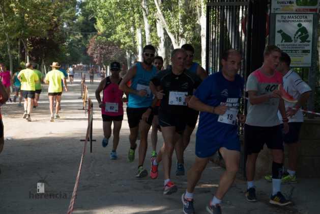 """40 carrera popular herencia ciudad real entradas a meta 14 629x420 - Fotografías de llegadas a meta en 40 Carrera Popular """"Villa de Herencia"""""""