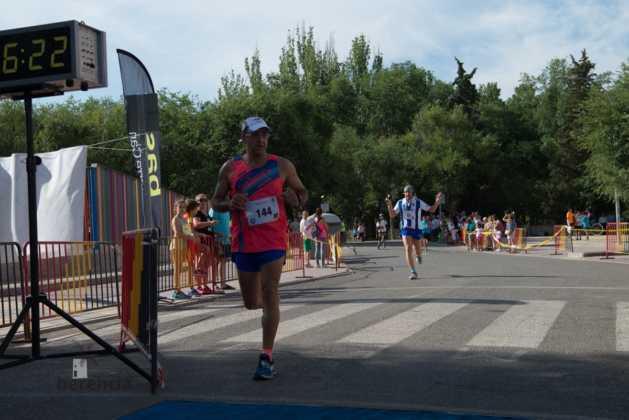 """40 carrera popular herencia ciudad real entradas a meta 172 629x420 - Fotografías de llegadas a meta en 40 Carrera Popular """"Villa de Herencia"""""""