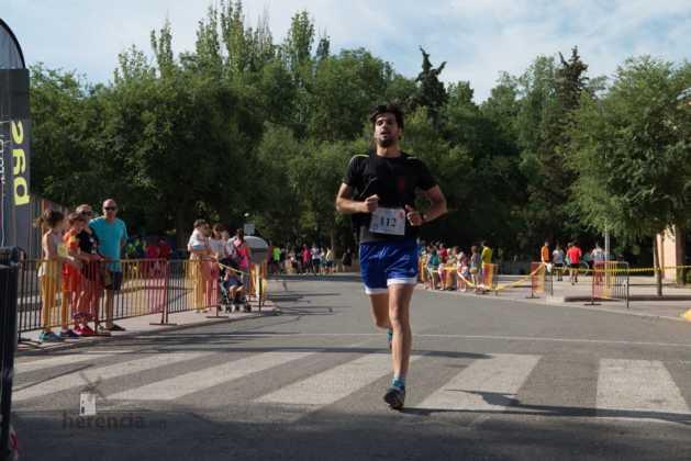 """40 carrera popular herencia ciudad real entradas a meta 180 629x420 - Fotografías de llegadas a meta en 40 Carrera Popular """"Villa de Herencia"""""""