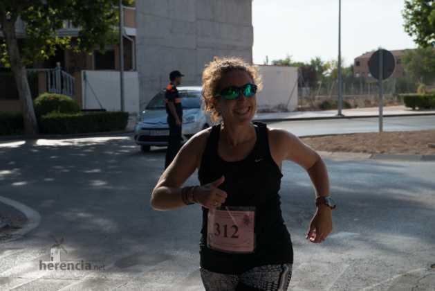 """40 carrera popular herencia ciudad real entradas a meta 2 629x420 - Fotografías de llegadas a meta en 40 Carrera Popular """"Villa de Herencia"""""""