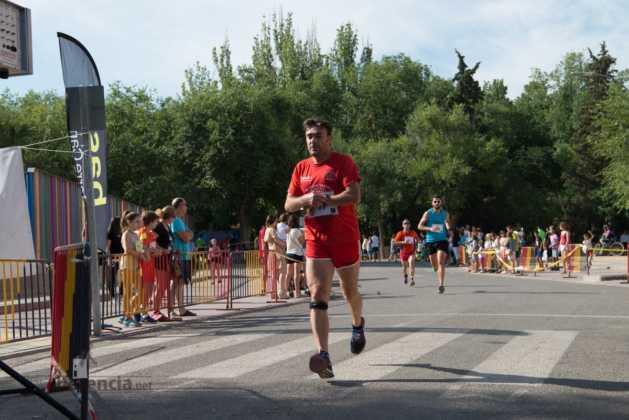 """40 carrera popular herencia ciudad real entradas a meta 203 629x420 - Fotografías de llegadas a meta en 40 Carrera Popular """"Villa de Herencia"""""""