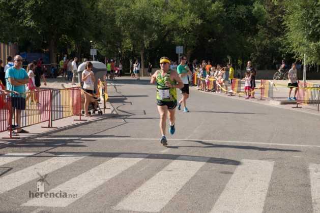 """40 carrera popular herencia ciudad real entradas a meta 225 629x420 - Fotografías de llegadas a meta en 40 Carrera Popular """"Villa de Herencia"""""""