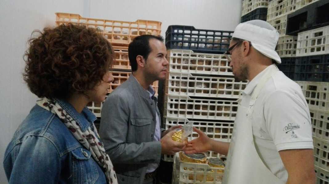 El alcalde visita Quesera Herenciana Cofer 5