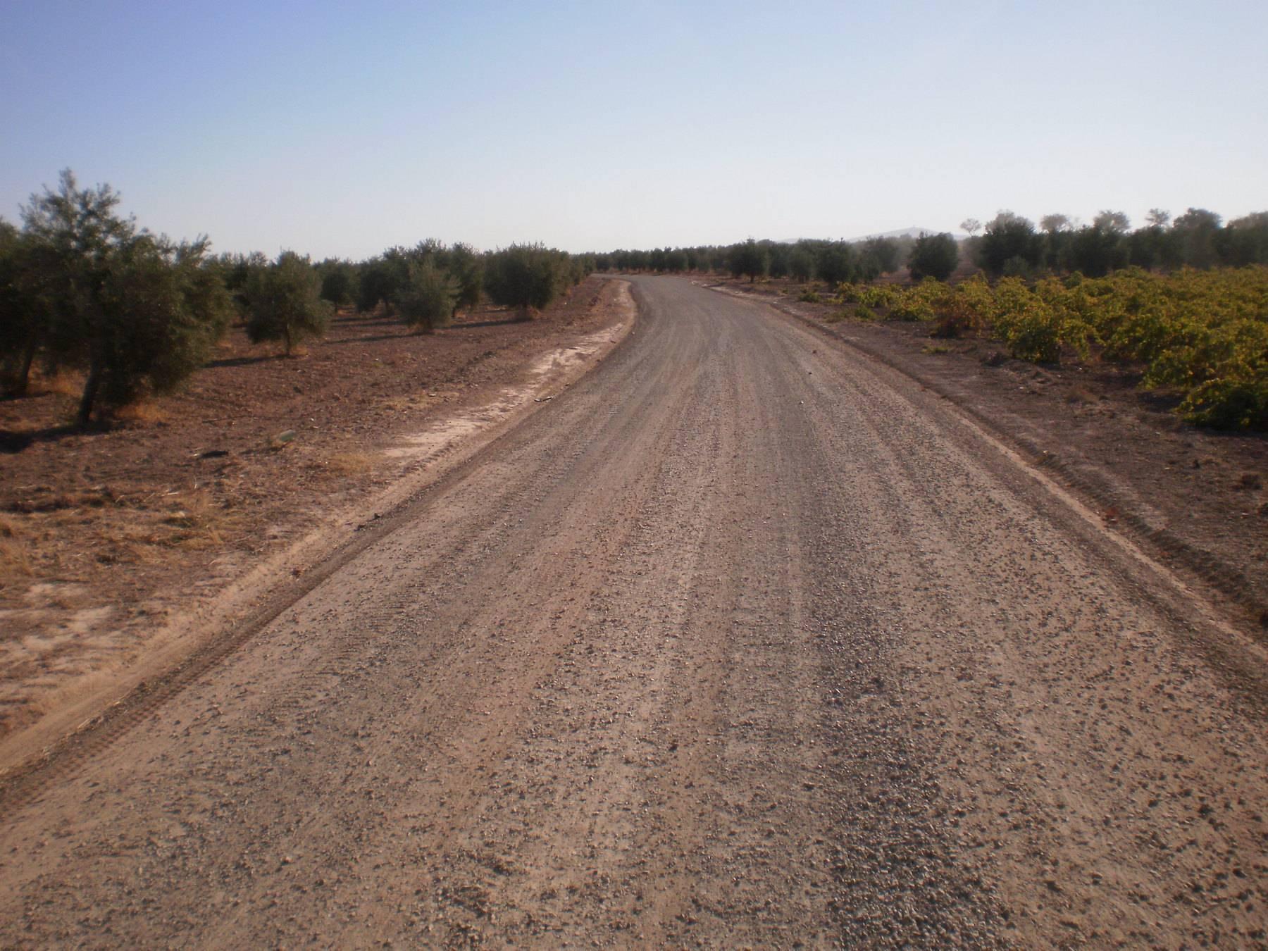 arreglo de caminos en herencia - Herencia realiza arreglos en varios caminos rurales del municipio