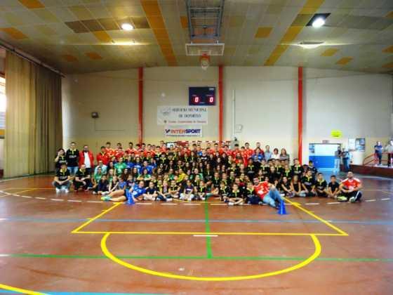balonmano en herencia mueve a los jovenes 560x420 - Más de 450 deportistas en la presentación de la temporada de balonmano 2016-2017