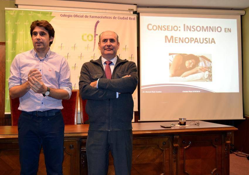cof c.real menopausia augusto y ponente - Los farmacéuticos ciudadrealeños actualizan conocimientos sobre cómo combatir el insomnio en la menopausia