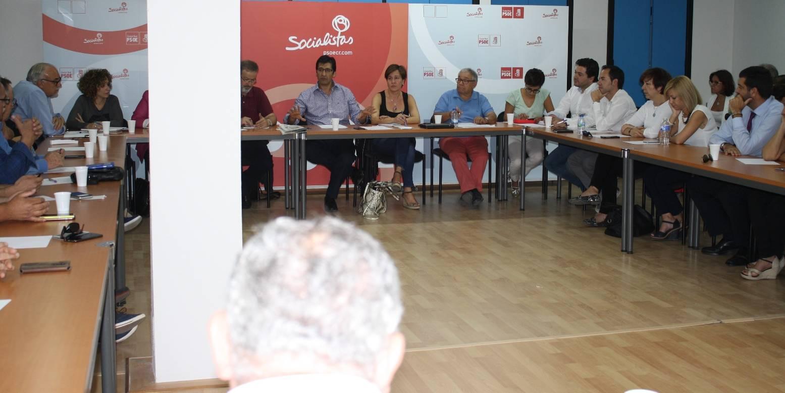 comite provincia de partido socialista con alcalde de herencia presente - PSOE provincial se conjura para restañar heridas y recuperar fortaleza
