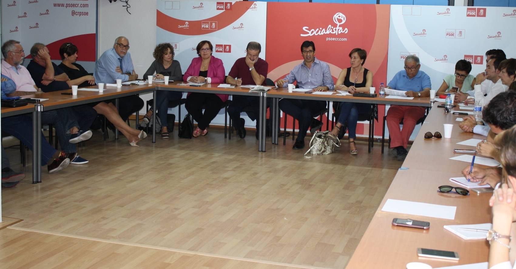 comite provincial del psoe - PSOE provincial se conjura para restañar heridas y recuperar fortaleza