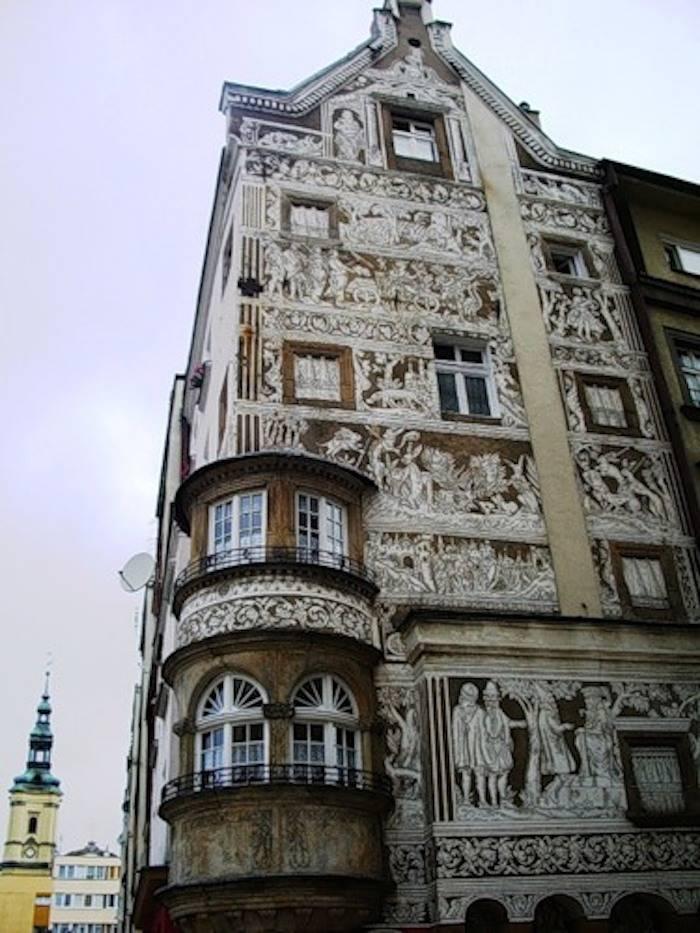 elias-por-el-mundo-edificio