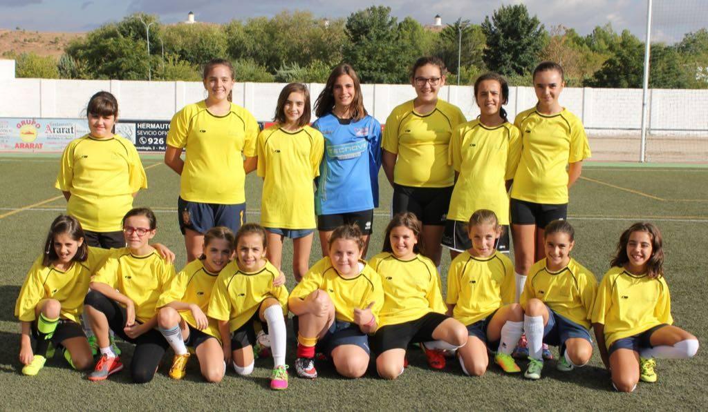 Herencia cuenta con equipo de fútbol femenino para temporada 2016-2017 1