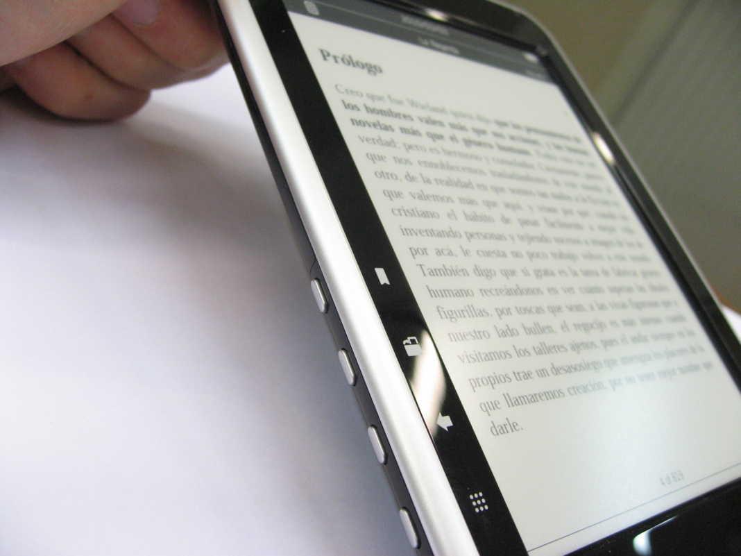 libro electronico 1068x801 - 1.500 nuevos ejemplares en el servicio de préstamos de libros eBiblio Castilla-La Mancha