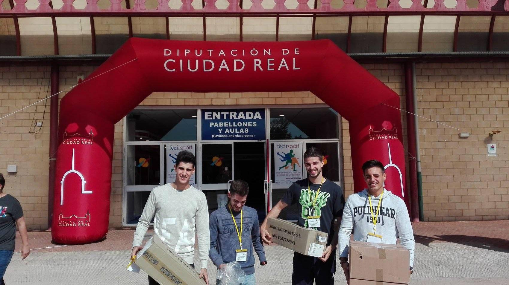 material para escuelas deportivas - Herencia recibe material para Escuelas Deportivas desde Diputación