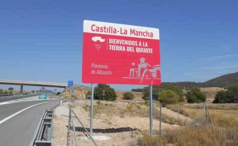 Nuevos carteles para dar la bienvenida a Castilla-La Mancha 1