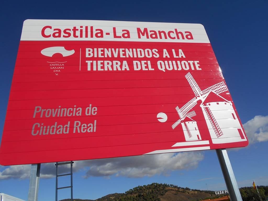 nuevos carteles entrada a castilla la mancha provincia de ciudad real - Nuevos carteles para dar la bienvenida a Castilla-La Mancha