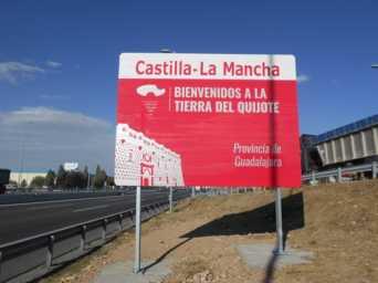 nuevos-carteles-entrada-a-castilla-la-mancha-provincia-de-guadalajara