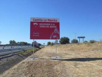 nuevos carteles entrada a castilla la mancha provincia de toledo 341x256 - Nuevos carteles para dar la bienvenida a Castilla-La Mancha