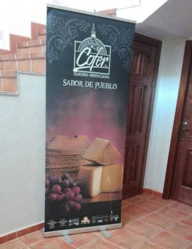 quesera herenciana sabor de pueblo 388x505 - El alcalde visita Quesera Herenciana Cofer