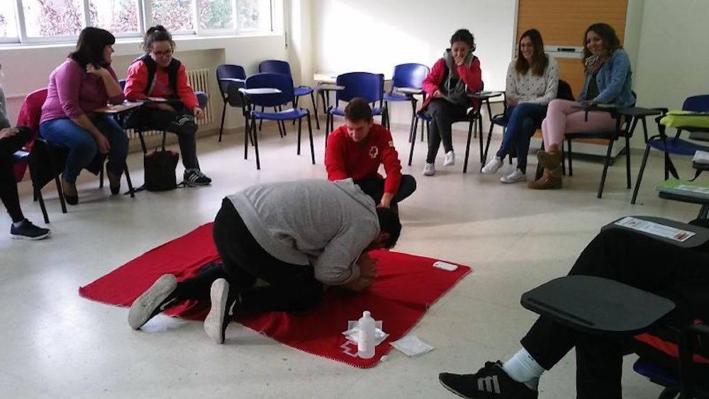 taller primeros auxilios en herencia con cruz roja - Segunda sesión del Taller de Primeros Auxilios impartido por Cruz Roja