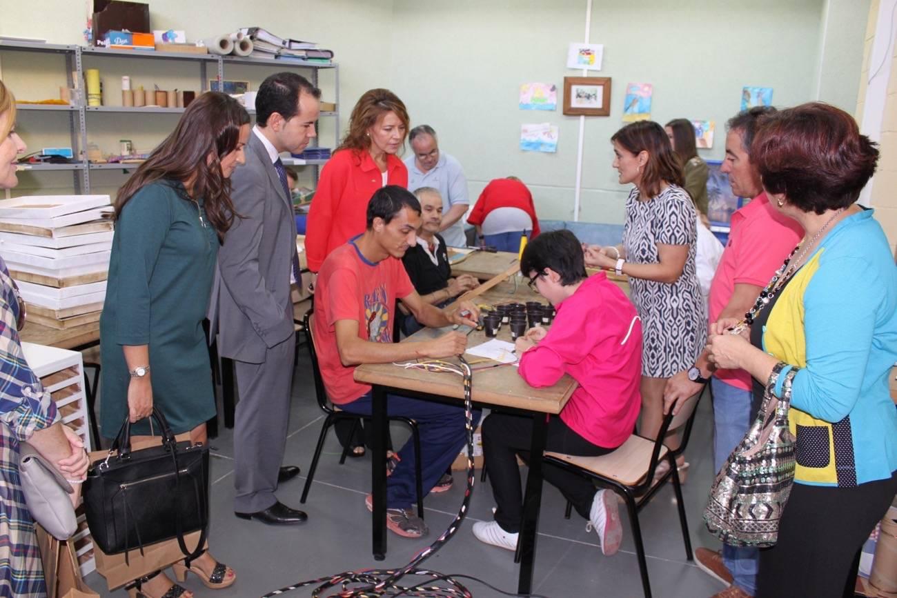 visita al centro ocupacional el picazuelo en herencia 1 - Se incrementan en 36 plazas en la red de Centros Ocupacionales para personas con discapacidad