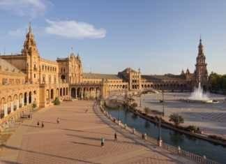 Plaza de Espan?a de Sevilla fotografia de Carlos Delgado publicada en Wikipedia