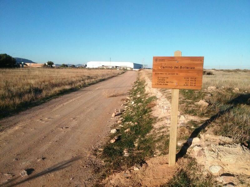 """cartel en camino del bollerizo - """"Conoce tu término"""" con la nueva señalización de caminos municipales"""