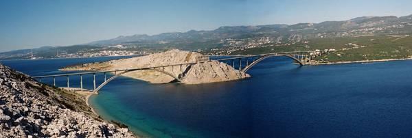 krk bridge - Elías Escribano llega al mar Adriático. Etapas 76-82 de Perlé por el Mundo