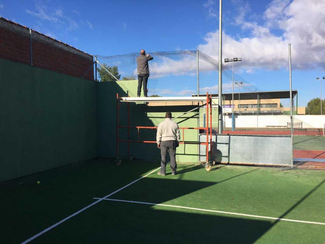 Obras de mejora en las pistas de pádel de Herencia 4