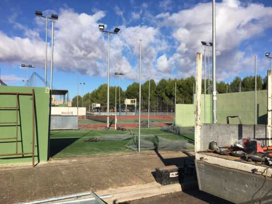 Obras de mejora en las pistas de pádel de Herencia 3