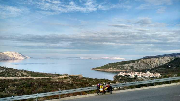 Elías Escribano llega al mar Adriático. Etapas 76-82 de Perlé por el Mundo 7