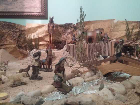 Belen Jesus Gomez Calcerrada2 560x420 - Galería de imágenes de la II Muestra de belenes de Herencia