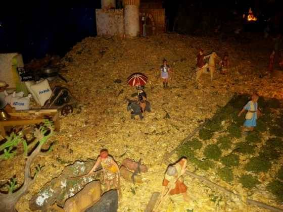 Belen Pedro Cobos 3 560x420 - Galería de imágenes de la II Muestra de belenes de Herencia
