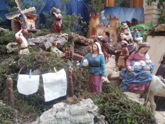 Belen de Josefa en el ayuntamiento22 560x420 - Galería de imágenes de la II Muestra de belenes de Herencia
