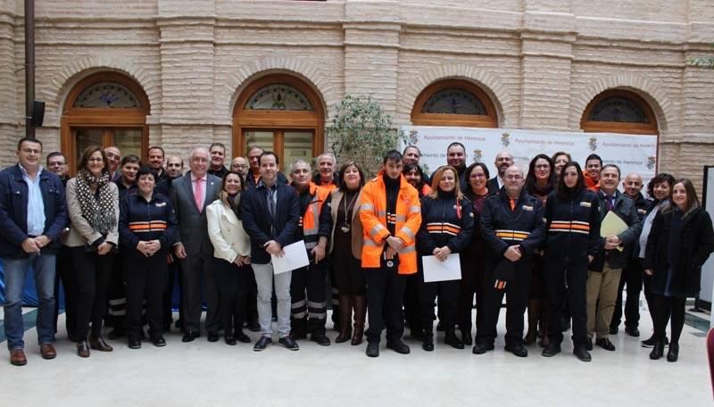 Carmen Olmedo Proteccion Civil comarca de La Mancha 1 1 - La Junta entrega en Herencia material de asistencia a siete agrupaciones de Protección Civil