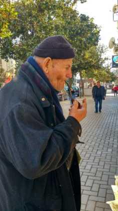 Elias Escribano Perle por el Mundo17 236x420 - Perlé celebra la Navidad en Pátra